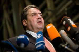 German Vice Chancellor Sigmar Gabriel gives a statement on January 28, 2016 in Berlin (AFP Photo/Gregor Fischer)