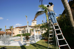Workers prepare Mar-a-Lago for Donald Trump Jr. and Vanessa Haydon's' wedding in 2005.Photo: Getty Images