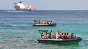 Suspected asylum seekers arrive at Christmas Island